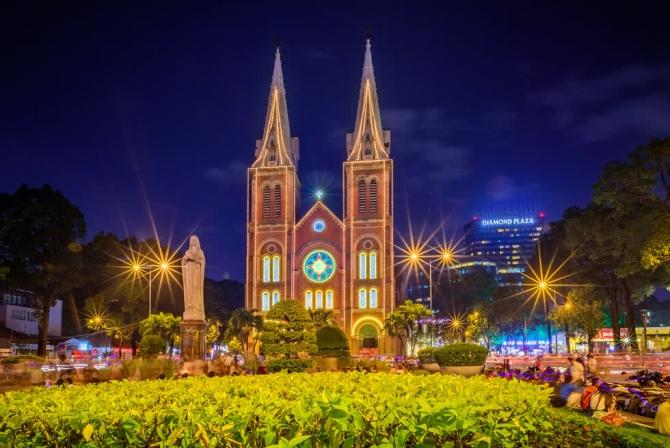 Nhà Thờ Đức Bà Sài Gòn, tòa kiến trúc đặc sắc gần 140 tuổi