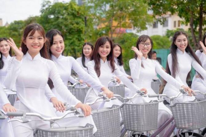 Đồng Khánh Ngày Xưa – Lê Quang Kết