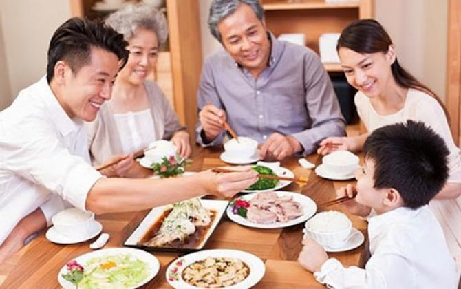 Ý nghĩa và truyền thống bữa cơm gia đình của người Việt Nam
